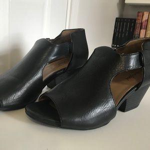 Black open toe booties.  Very comfortable size 8.5